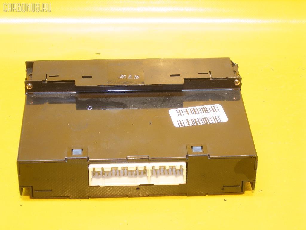 Блок управления климатконтроля TOYOTA MARK II JZX100 1JZ-GE. Фото 8