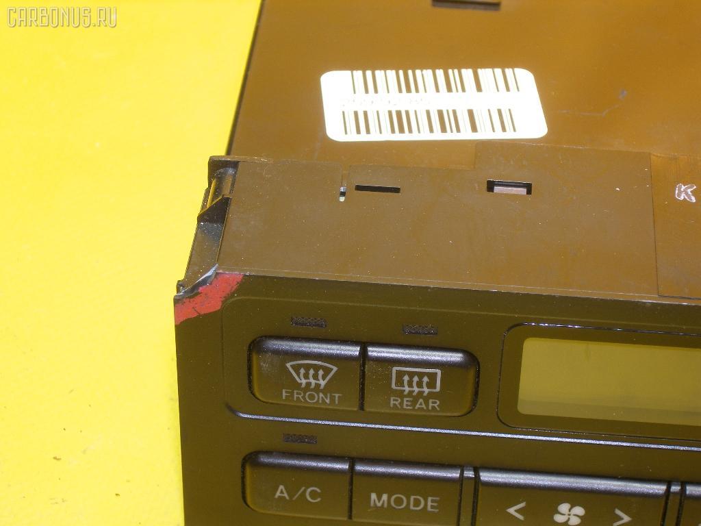 Блок управления климатконтроля TOYOTA MARK II JZX100 1JZ-GE. Фото 10