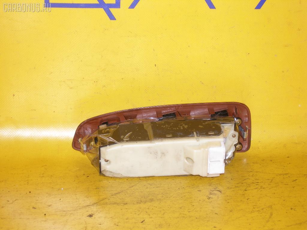 Блок упр-я стеклоподъемниками TOYOTA CROWN MAJESTA JZS177. Фото 2