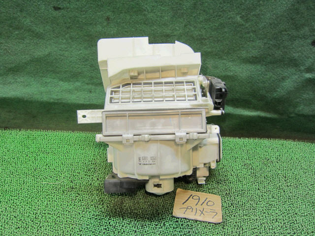Мотор печки NISSAN PRIMERA WAGON WTP12. Фото 5