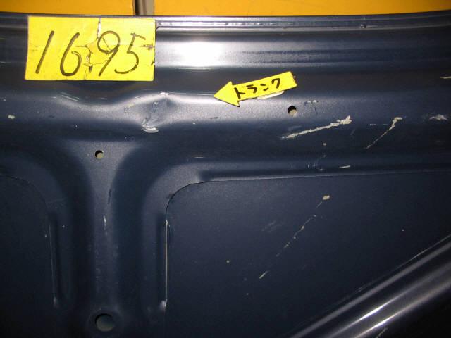 Крышка багажника TOYOTA CARINA AT211. Фото 3