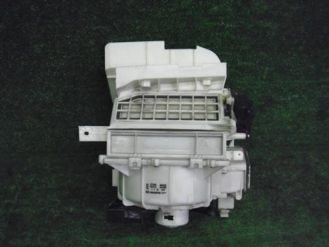 Мотор печки NISSAN PRIMERA WAGON WTP12. Фото 10