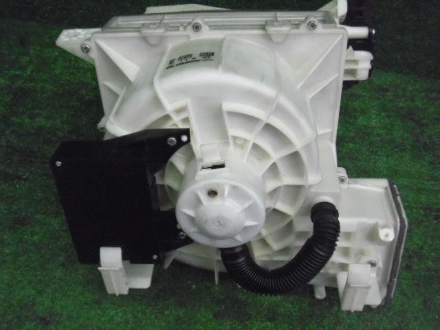 Мотор печки NISSAN PRIMERA WAGON WTP12. Фото 8