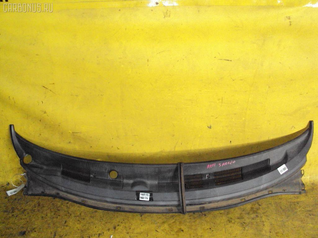 Решетка под лобовое стекло TOYOTA COROLLA SPACIO AE111N. Фото 1