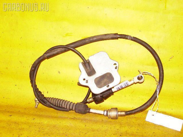 Тросик на коробку передач TOYOTA COROLLA SPACIO AE111N 4A-FE. Фото 3