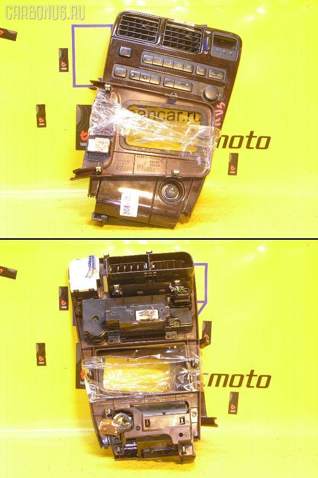 Консоль магнитофона TOYOTA MARK II GX90. Фото 5