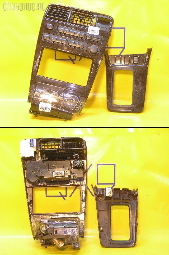 Консоль магнитофона TOYOTA CHASER GX90. Фото 1