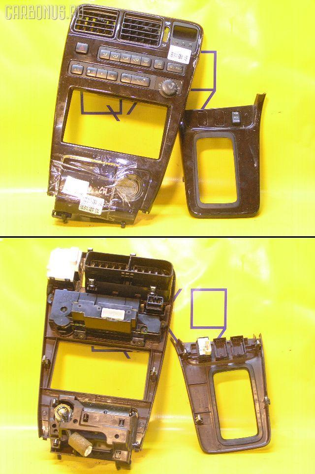 Консоль магнитофона TOYOTA MARK II GX90. Фото 11