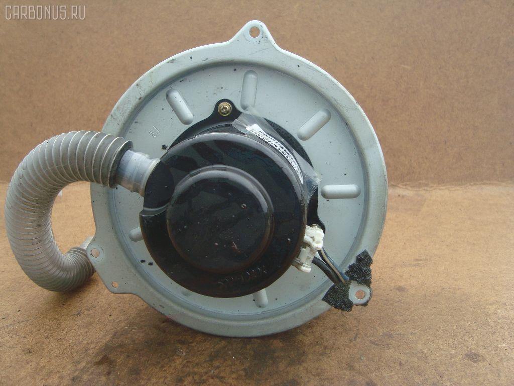 Мотор печки MAZDA FAMILIA S-WAGON BJ5W. Фото 3