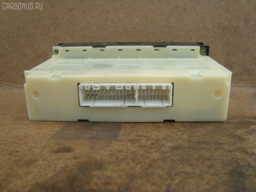 Блок управления климатконтроля TOYOTA JZX100. Фото 5