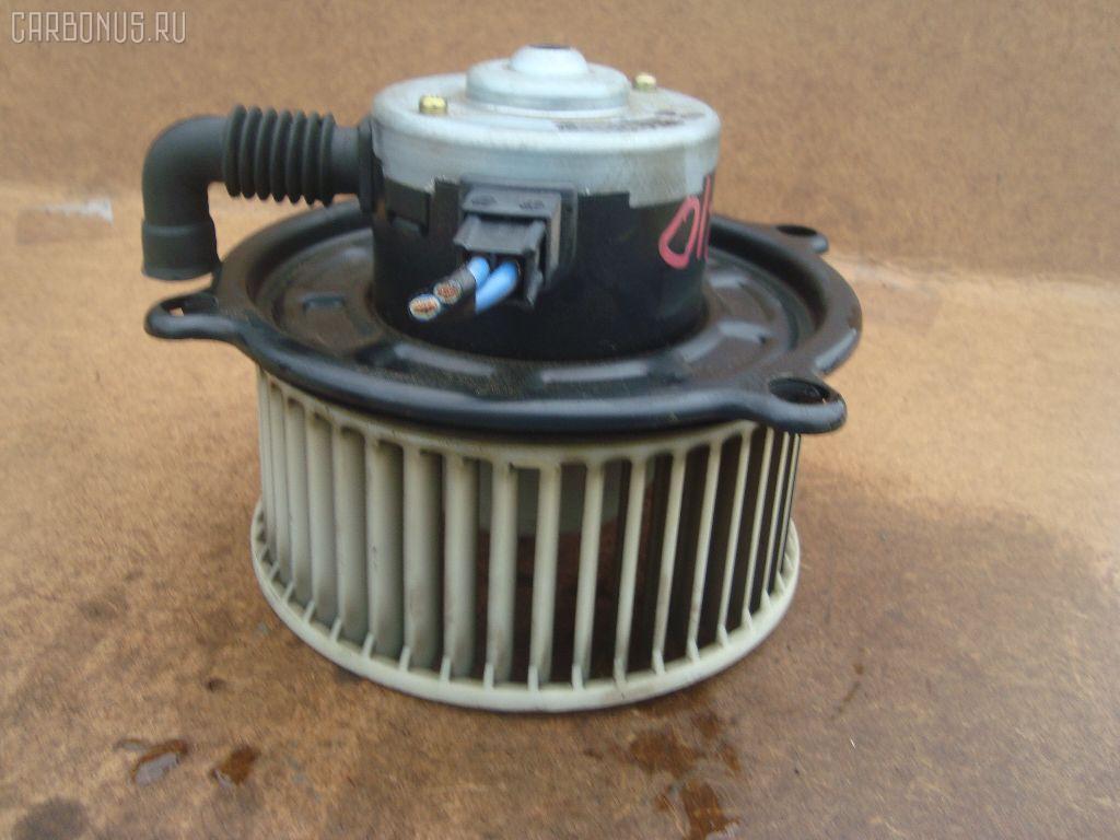 Мотор печки TOYOTA ESTIMA EMINA TCR10G. Фото 11