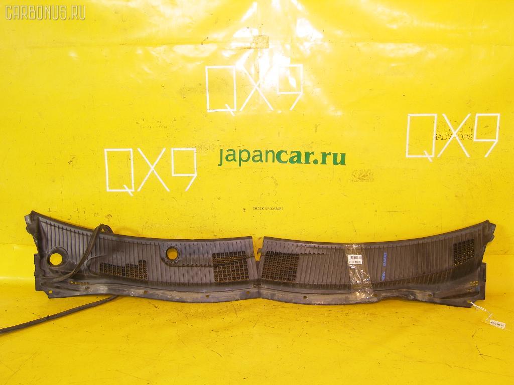 Решетка под лобовое стекло TOYOTA NADIA SXN10. Фото 1