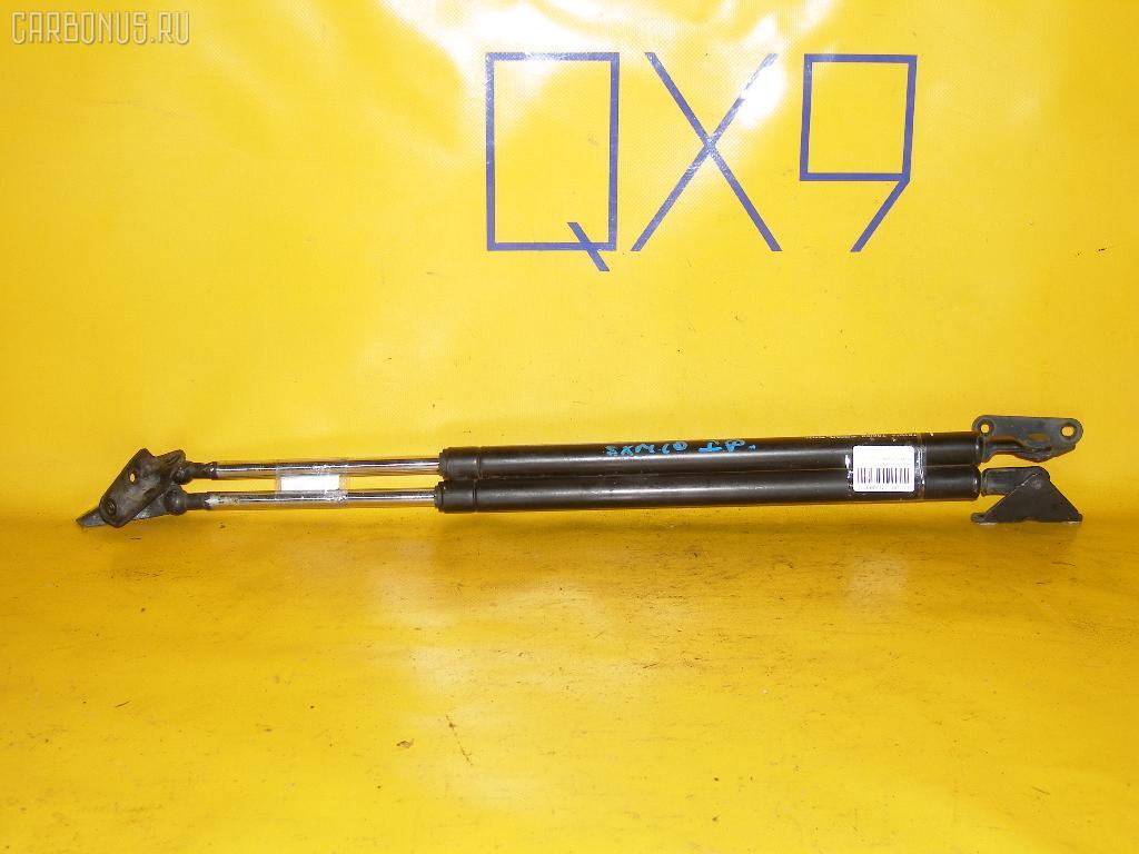 Амортизатор двери TOYOTA IPSUM SXM10G. Фото 6