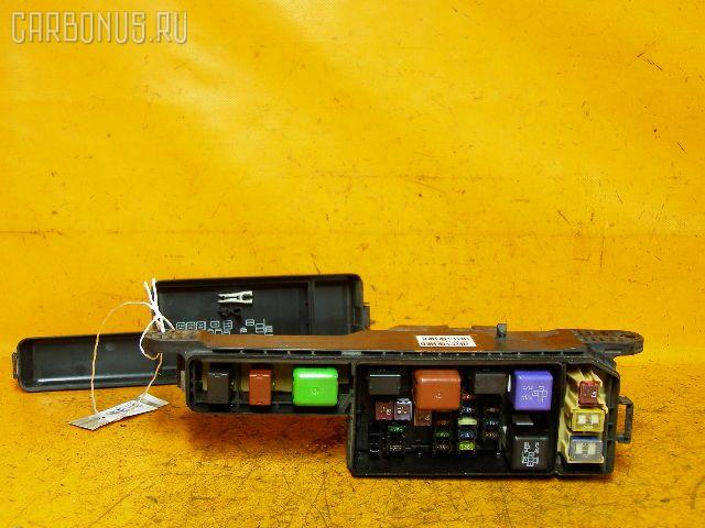 Блок предохранителей TOYOTA NADIA SXN10 3S-FSE. Фото 3