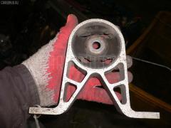 Крепление редуктора Nissan Serena PNC24 SR20DE Фото 1