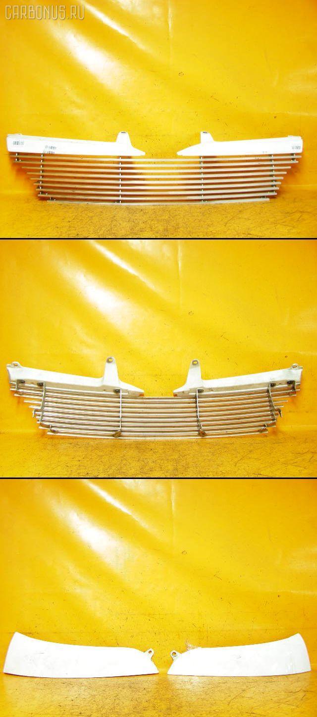 Решетка радиатора TOYOTA FUNCARGO NCP20. Фото 2