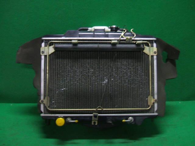 Радиатор ДВС NISSAN CARAVAN VPE25 KA20DE. Фото 8