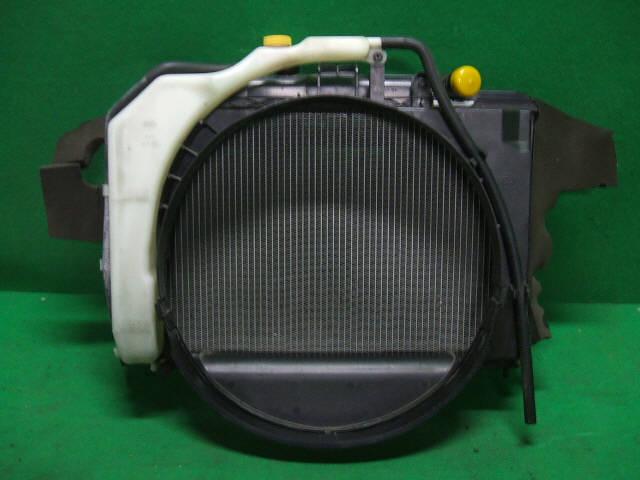 Радиатор ДВС NISSAN CARAVAN VPE25 KA20DE. Фото 7