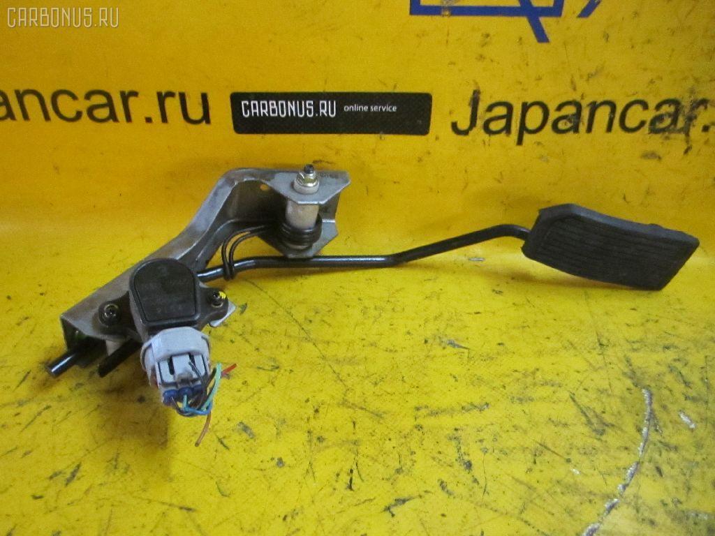 Педаль подачи топлива NISSAN LIBERTY RM12 QR20DE. Фото 3