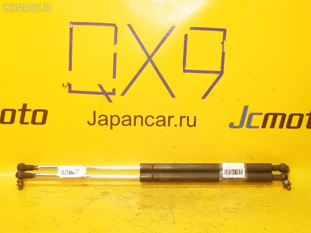 Амортизатор капота TOYOTA MARK II JZX101. Фото 2
