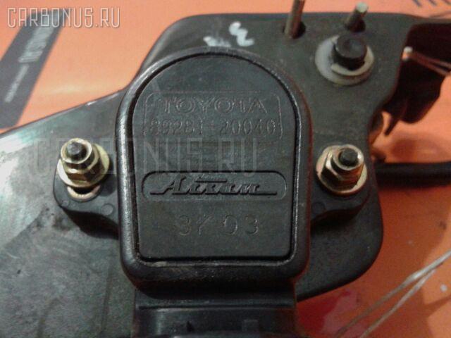 Педаль подачи топлива TOYOTA CALDINA AZT246W 1AZ-FSE Фото 1