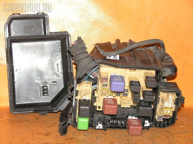 Блок предохранителей TOYOTA MARK II JZX100 1JZ-GE.  Фото 3.