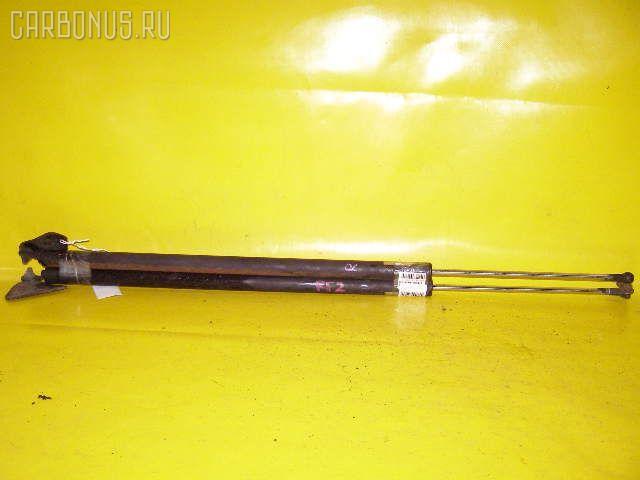 Амортизатор двери HONDA STEPWGN RF2. Фото 3