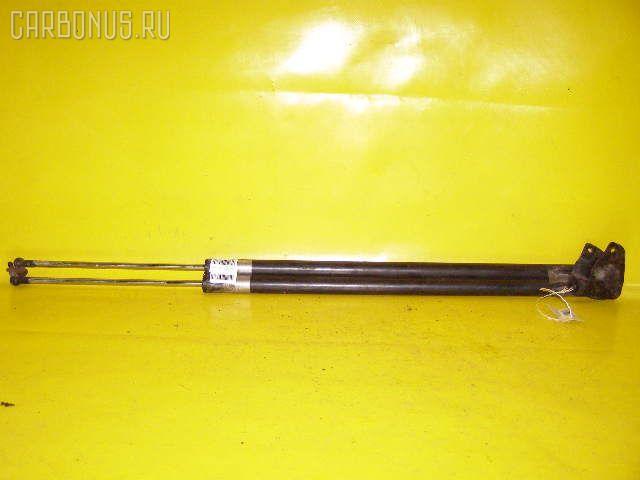 Амортизатор двери HONDA STEPWGN RF2. Фото 4