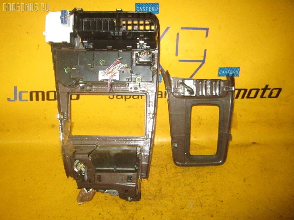 Консоль магнитофона TOYOTA CHASER GX90. Фото 3