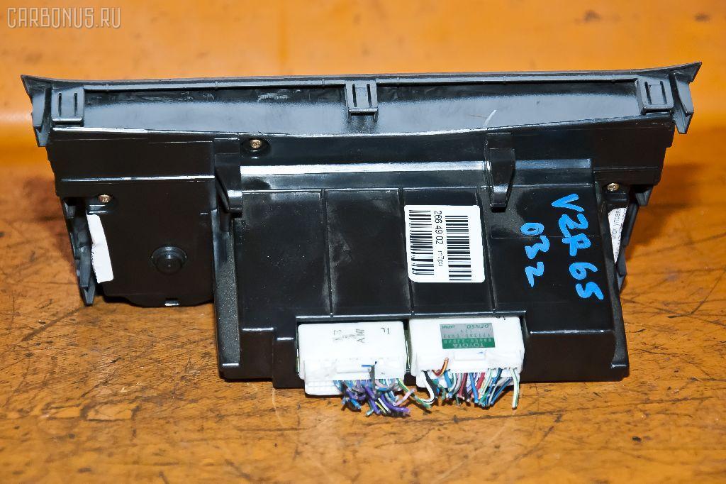 Блок управления климатконтроля TOYOTA VOXY AZR65G 1AZ-FSE Фото 3
