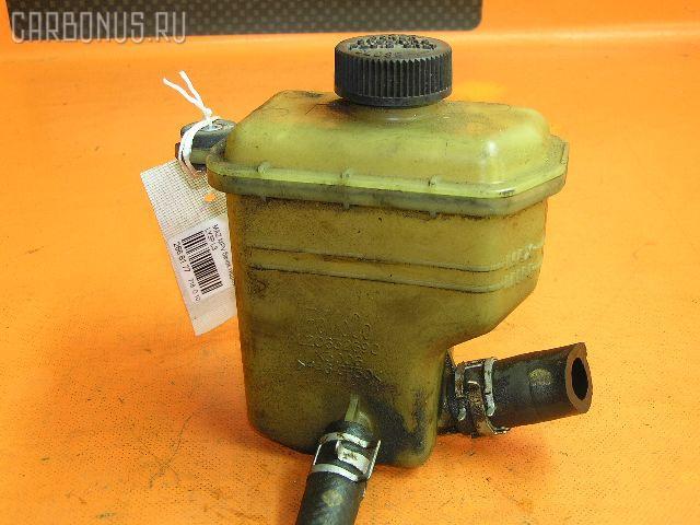 Бачок гидроусилителя MAZDA MPV LY3P L3 Фото 1