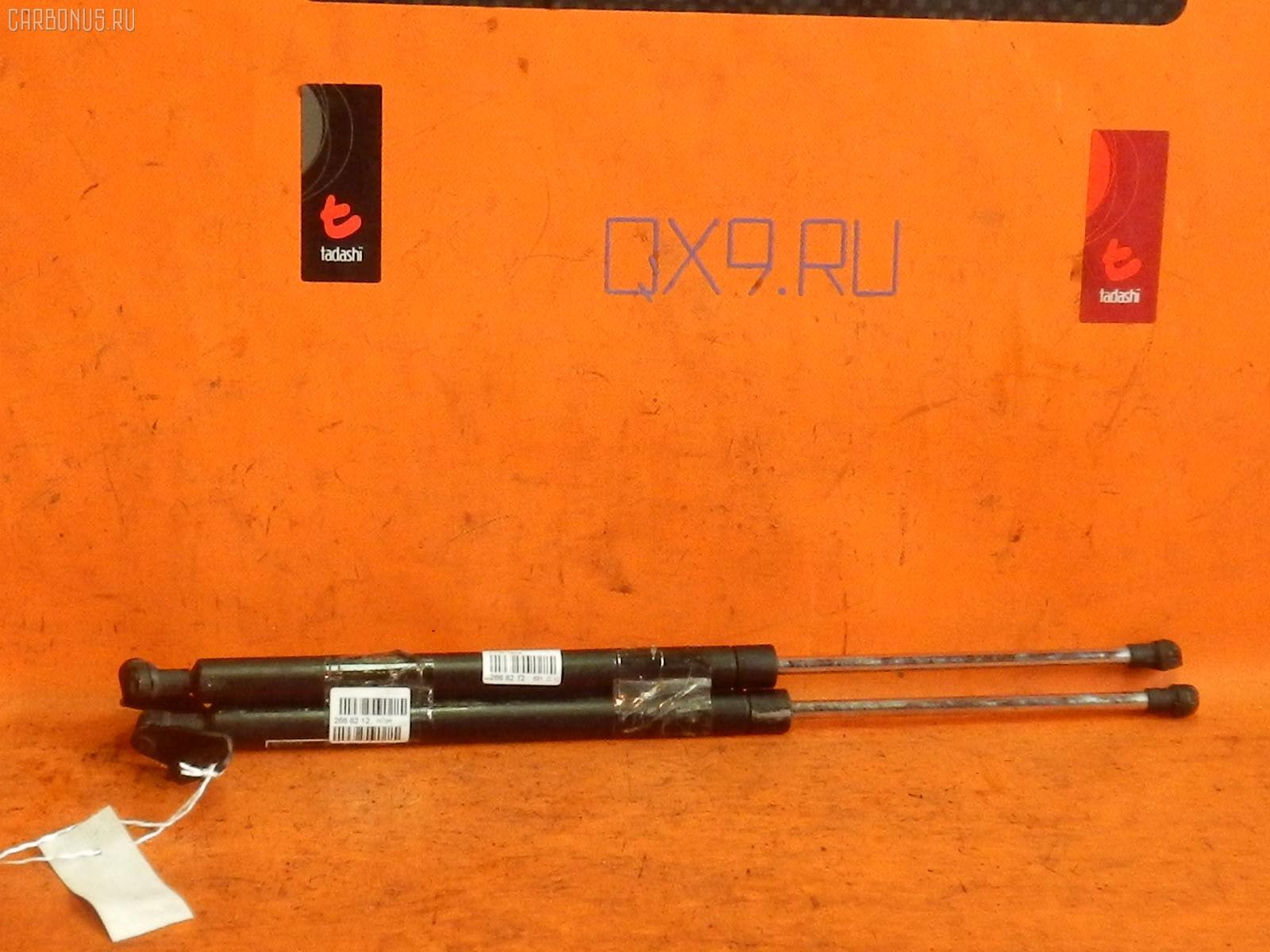 Амортизатор двери MAZDA MPV LY3P Фото 1
