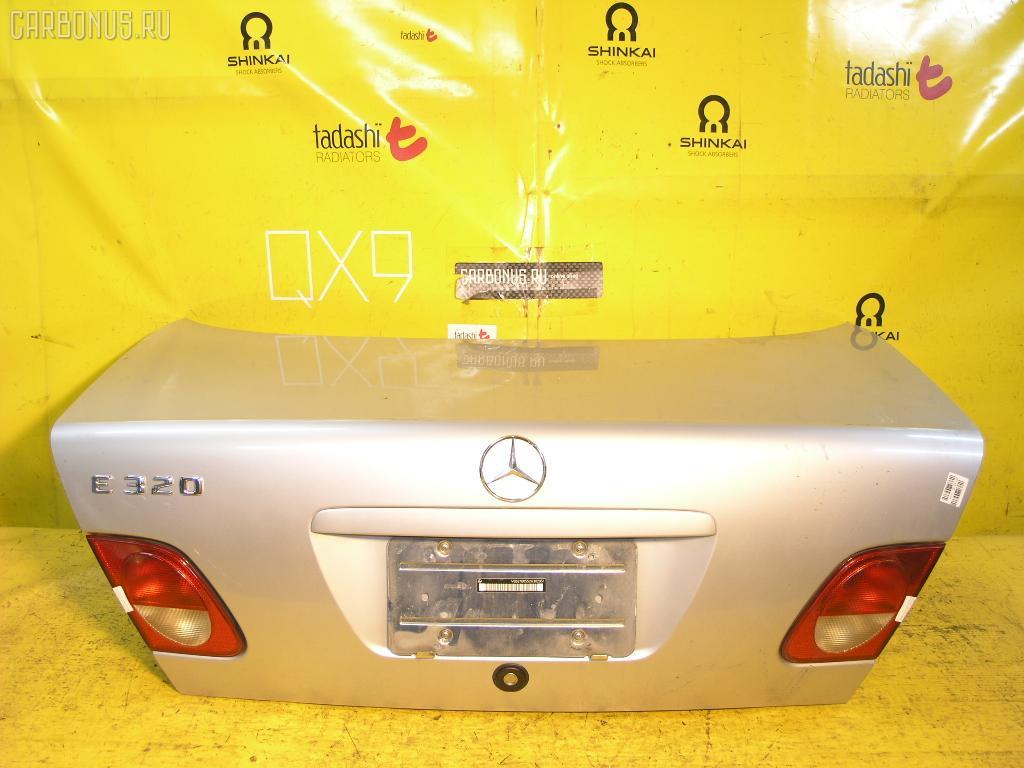 Крышка багажника MERCEDES-BENZ E-CLASS W210.055. Фото 2