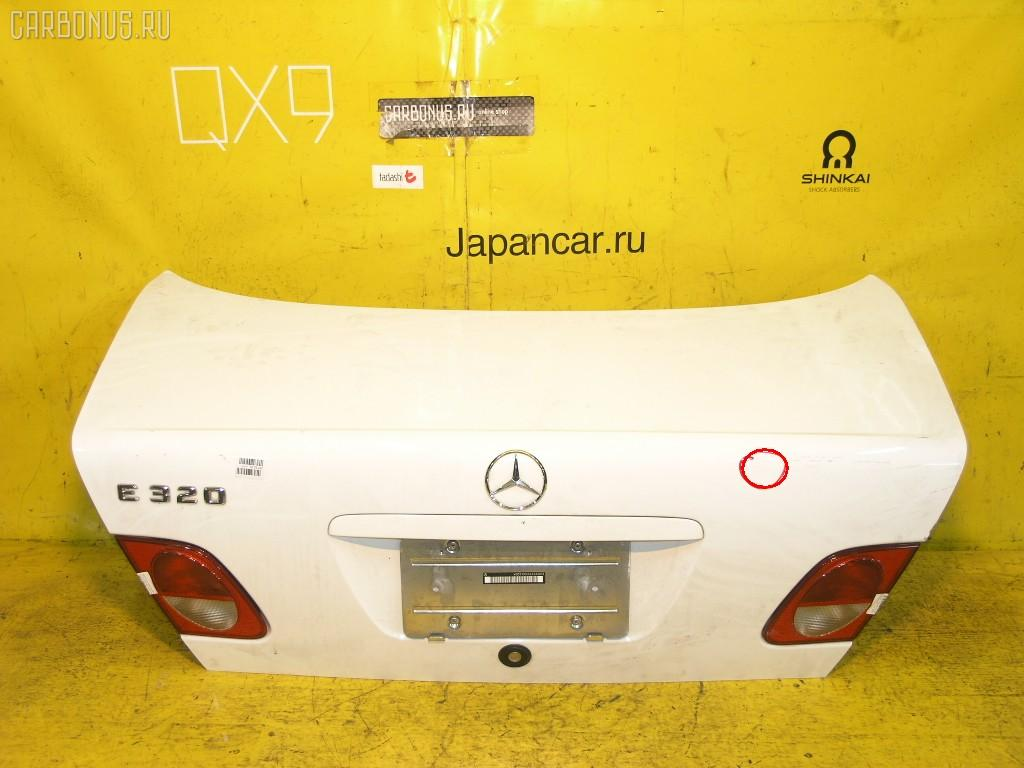 Крышка багажника MERCEDES-BENZ E-CLASS W210.055. Фото 4