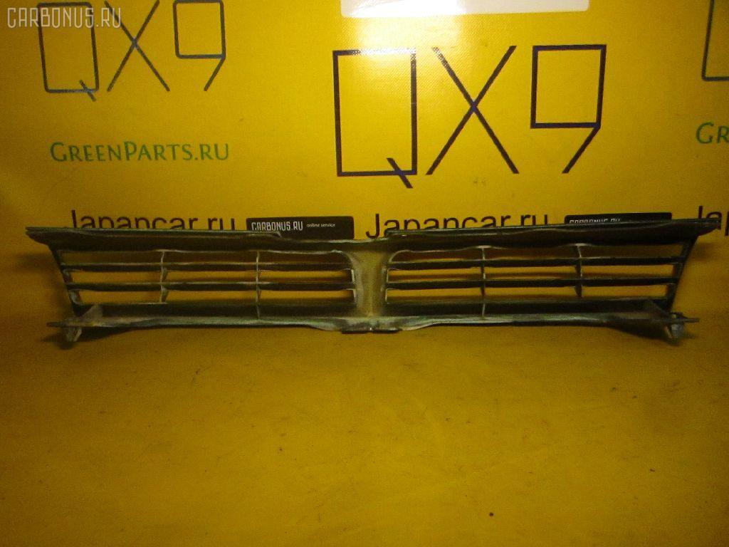 Решетка радиатора TOYOTA CAMRY SV32. Фото 3