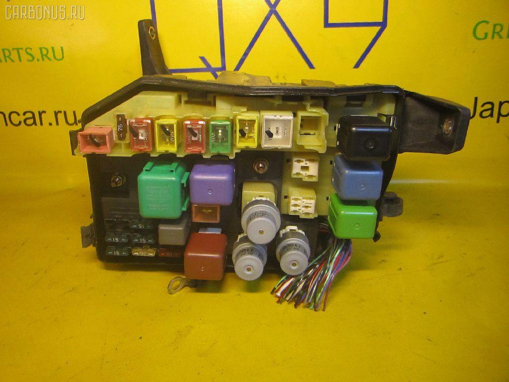 Блок предохранителей TOYOTA MARK II JZX93 1JZ-GE.  Фото 2.