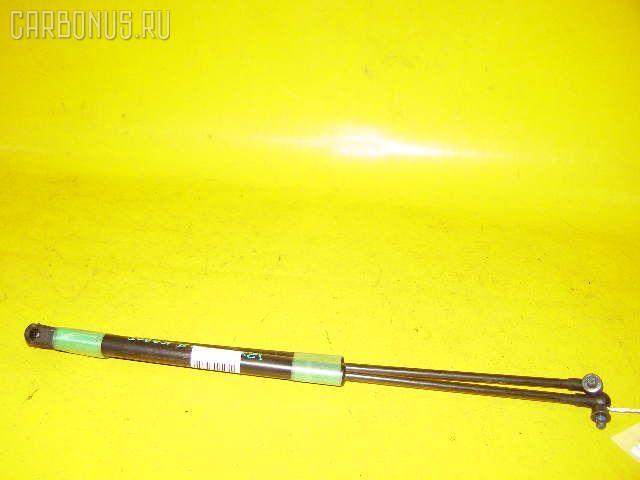 Амортизатор капота TOYOTA MARK II JZX90. Фото 4