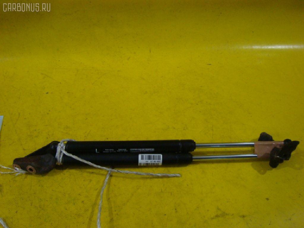 Амортизатор двери TOYOTA IPSUM ACM21W. Фото 2