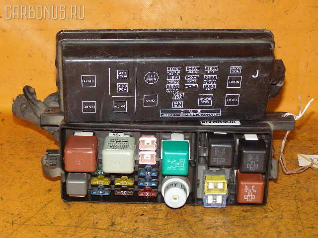 Блок предохранителей TOYOTA VISTA SV32 3S-FE. Фото 1