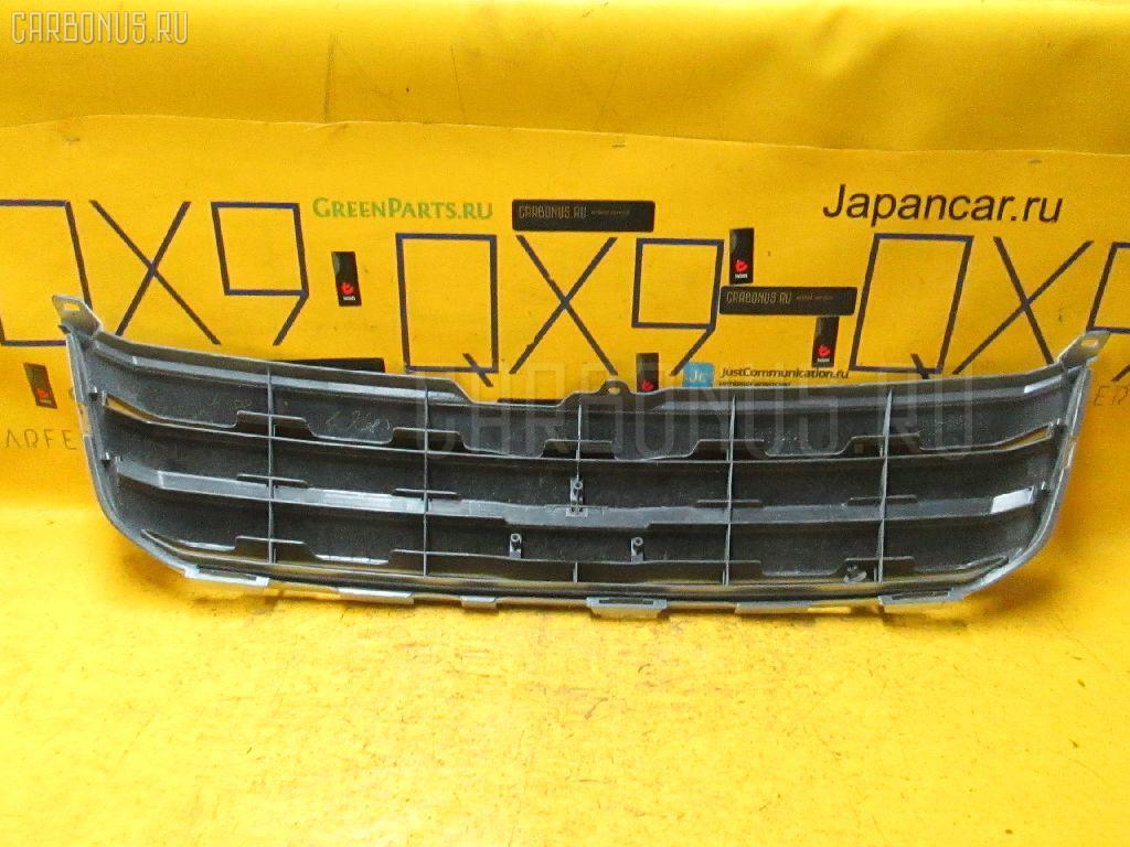 Решетка радиатора TOYOTA NOAH AZR60G Фото 1