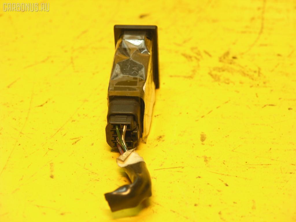 Кнопка TOYOTA CALDINA ST210G. Фото 2
