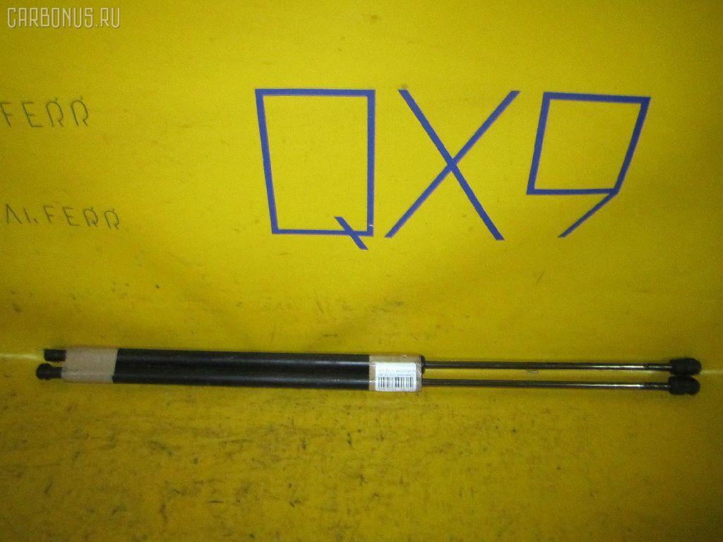 Амортизатор двери MITSUBISHI EK WAGON H81W Фото 1