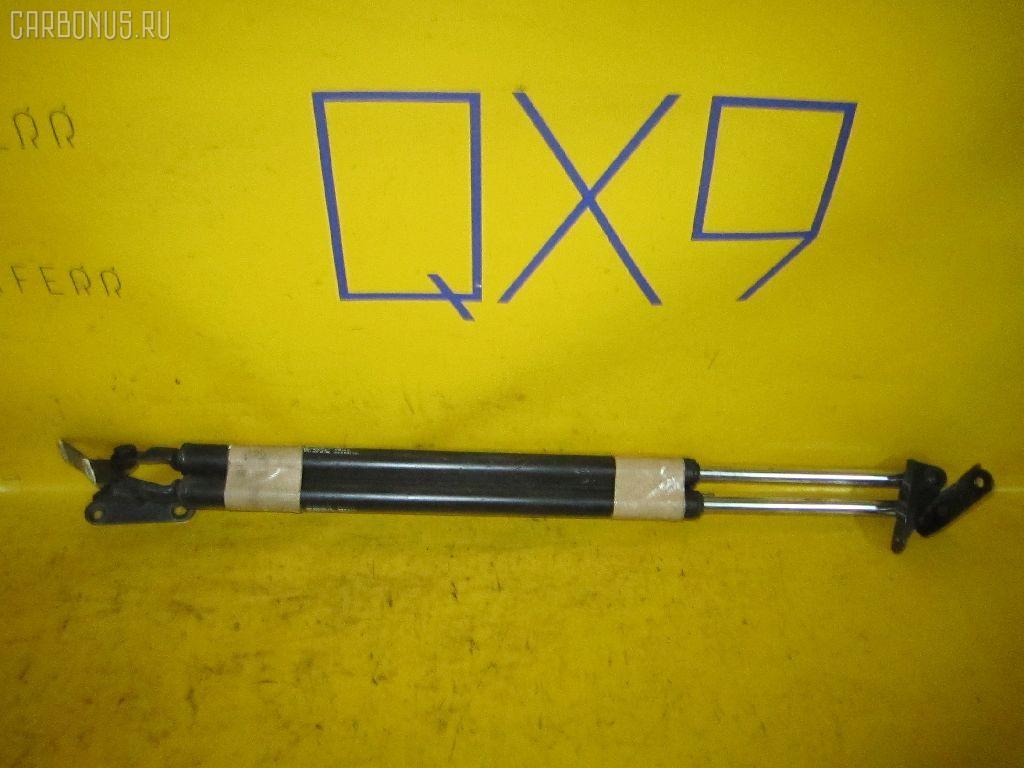 Амортизатор двери TOYOTA IPSUM SXM10G. Фото 11