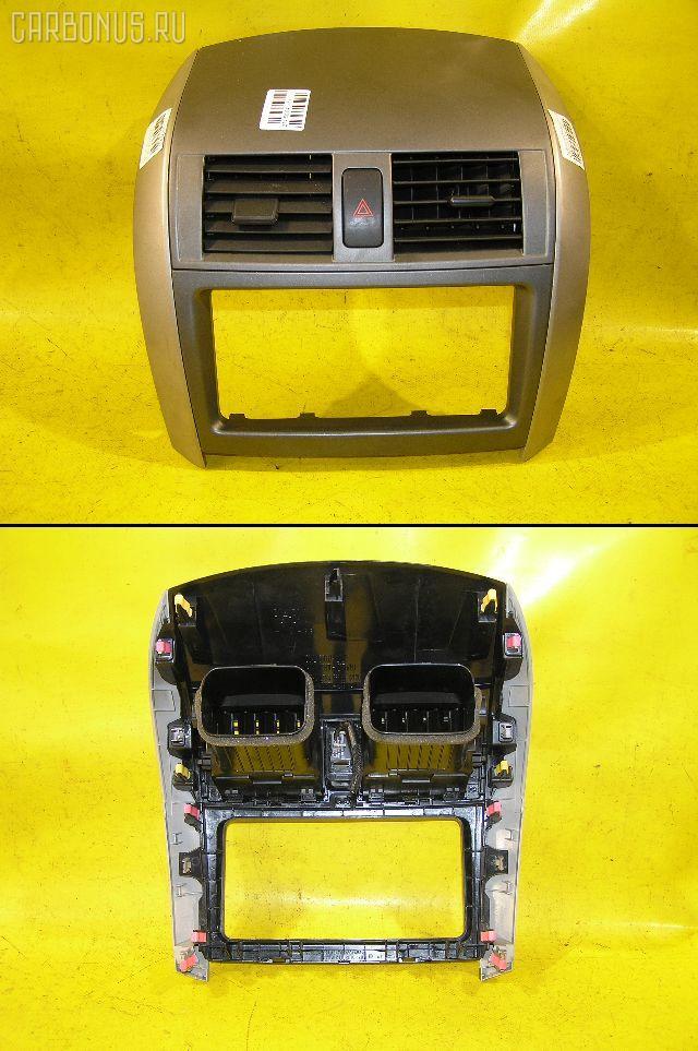 Консоль магнитофона Toyota Corolla fielder NZE141G Фото 1
