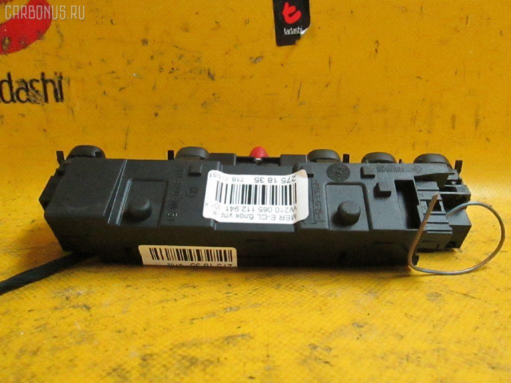 Блок кнопок MERCEDES-BENZ E-CLASS  W210.065. Фото 2