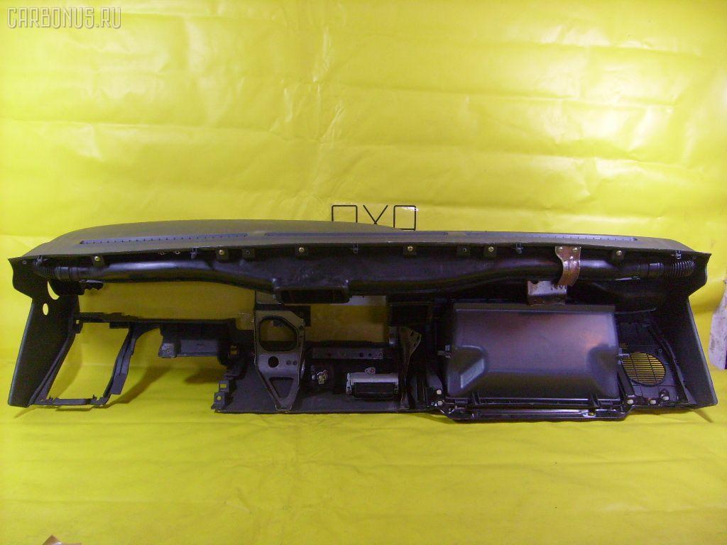 Панель приборов Toyota Hiace LH123V Фото 1