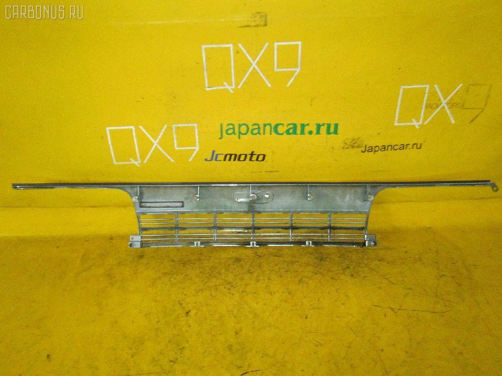 Решетка радиатора TOYOTA HIACE LH123V Фото 2
