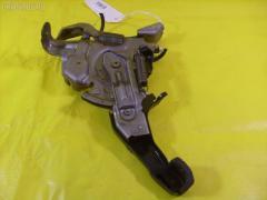 Рычаг стояночного тормоза TOYOTA KLUGER V ACU25W 2AZ-FE Фото 2