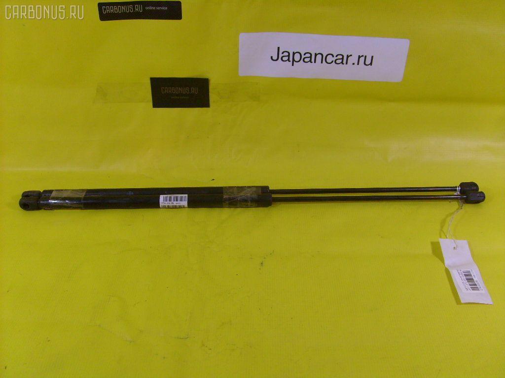 Амортизатор капота MERCEDES-BENZ E-CLASS W211.070 Фото 1
