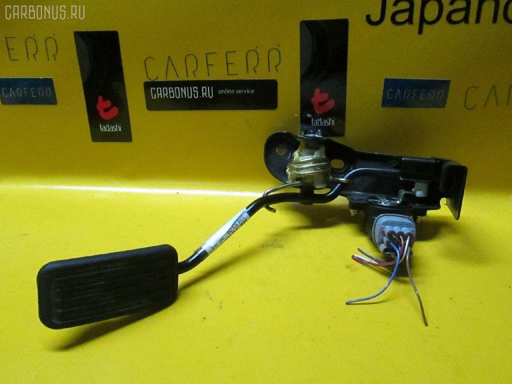 Педаль подачи топлива TOYOTA VITZ SCP13 2SZ-FE Фото 1